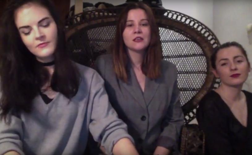 """Niespełna minutowy filmik w wykonaniu Frelek stał się hitem internetu. Trzy dziewczyny zaprezentowały wersję przeboju """"Hello"""" Adele w gwarze śląskiej."""