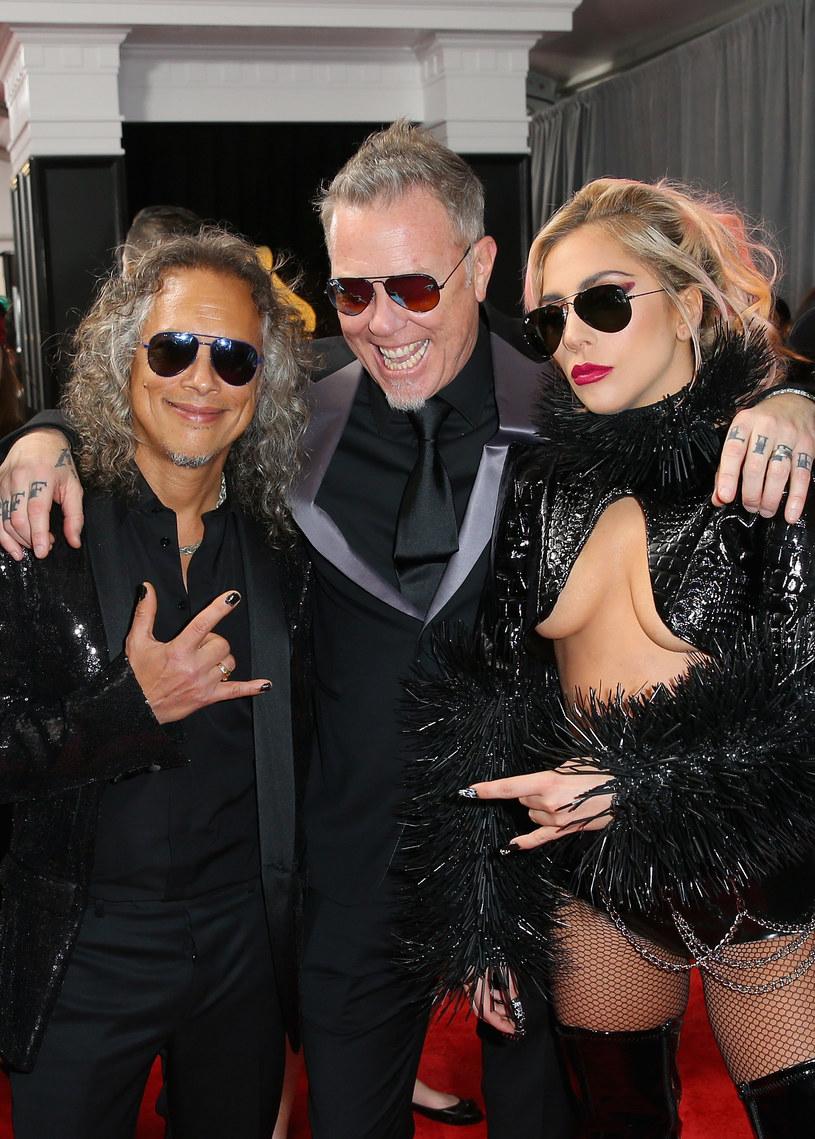 W sieci oraz mediach wciąż głośno jest o wpadce Metalliki na ceremonii rozdania nagród Grammy. James Hetfield nie krył swojej złości na backstage'u. Tymczasem Lars Urlich przyznał, że chętnie widziałby Lady Gagę na wokalu w swoim zespole.