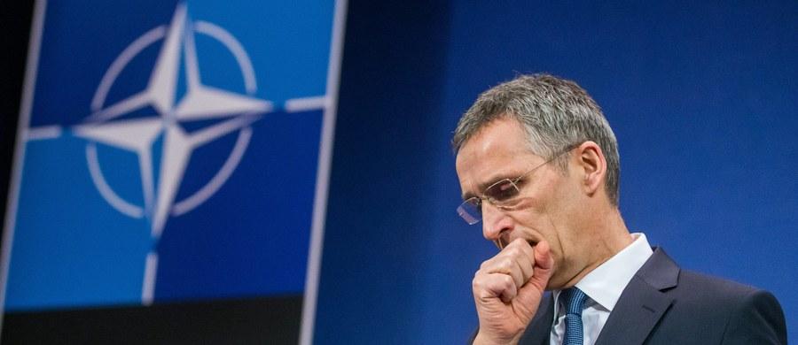 """Sekretarz generalny NATO udzielił bardzo wymijającej odpowiedzi na pytanie dziennikarza dotyczące rezygnacji Michaela Flynna z funkcji doradcy Donalda Trumpa. Jens Stoltenbereg próbował w ten sposób rozwiać pojawiające się coraz częściej obawy dotyczące wiarygodności polityki USA wobec Rosji. """"Amerykanie w pełni popierają działania NATO względem Moskwy"""" - zadeklarował."""