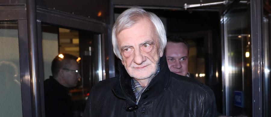 PiS rozważa czy nie zawiadomić prokuratury ws. wypowiedzi posłów opozycji dotyczących wypadku z udziałem kolumny premier Beaty Szydło - poinformował szef klubu PiS Ryszard Terlecki.