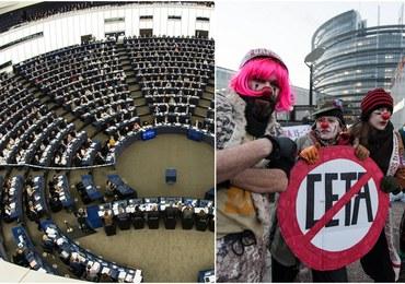 CETA ratyfikowana przez Parlament Europejski. Podczas debaty krytyka polityki Donalda Trumpa