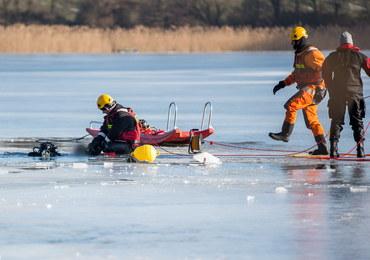 Lód załamał się pod quadem: Strażacy znaleźli ciało mężczyzny