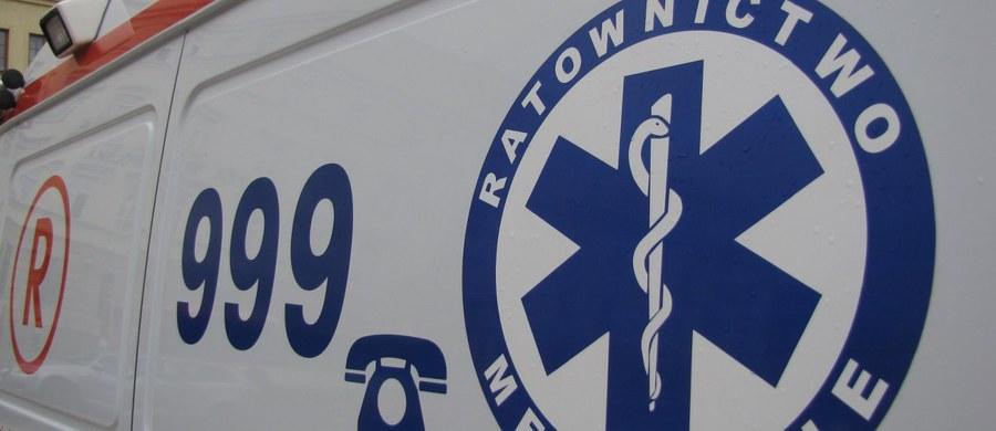 Osiem osób zostało rannych w wypadku busa na S8 w Nadarzynie koło Warszawy. Auto dachowało.