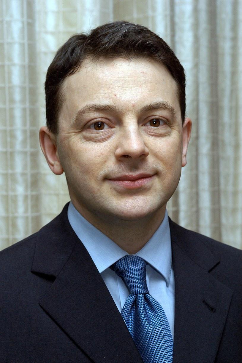 """Poglądy i słowa, które padły w programie """"Krzywe zwierciadło"""" nie są stanowiskiem """"Superstacji"""" - powiedział prezes stacji Adam Stefanik, odnosząc się do oświadczenia Telewizji Polskiej."""