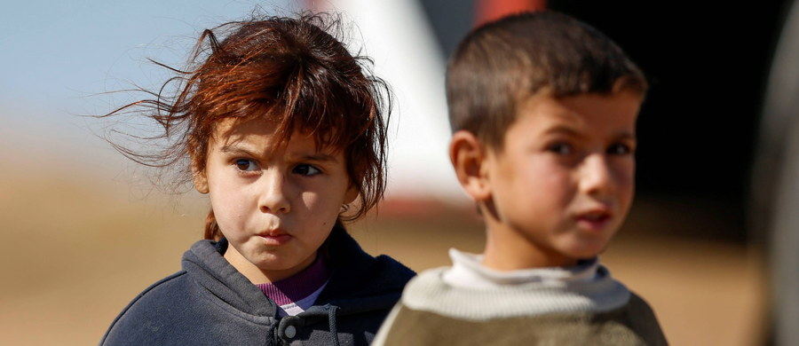 W dawnym sierocińcu w irackim Mosulu bojownicy Państwa Islamskiego przygotowywali do walki dzieci-żołnierzy. Kilkudziesięciu młodszych chłopców indoktrynowano, a starszych wysyłano do obozów wojskowych - poinformował były pracownik placówki.