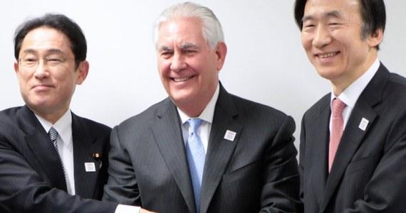 """Sekretarz stanu USA Rex Tillerson wezwał w piątek władze Chin, aby """"użyły wszystkich środków"""", aby """"powściągnąć działania"""" Korei Północnej, która dokonała kolejnej próby rakietowej - poinformował jeden z jego rzeczników Mark Toner."""