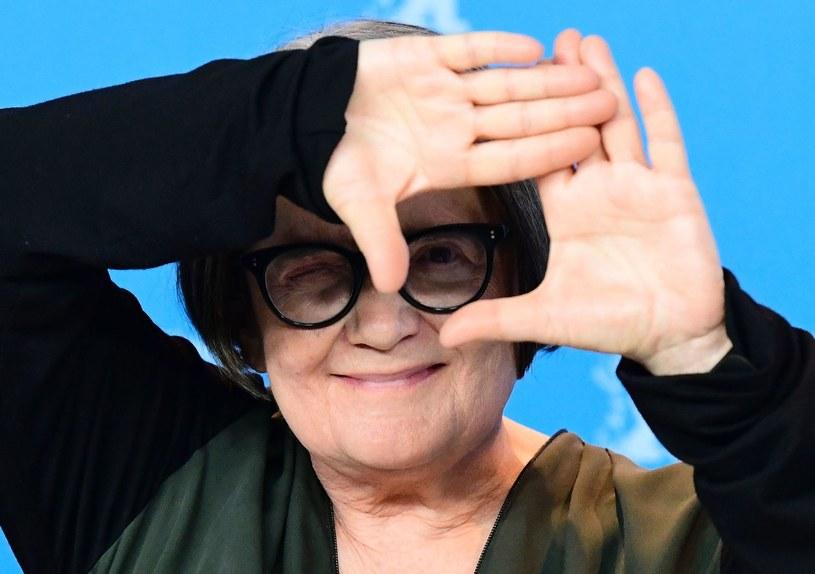 """""""To jest anarchistyczny, feministyczny, ekologiczny kryminał z elementami czarnej komedii"""" - mówi o swoim nowym filmie zatytułowanym """"Pokot"""" Agnieszka Holland. Jej produkcja została wyróżniona na zakończonym właśnie 67. Berlinale Srebrnym Niedźwiedziem - nagrodą im. Alfreda Bauera przyznawaną filmom wyznaczającym nowe perspektywy w sztuce filmowej."""