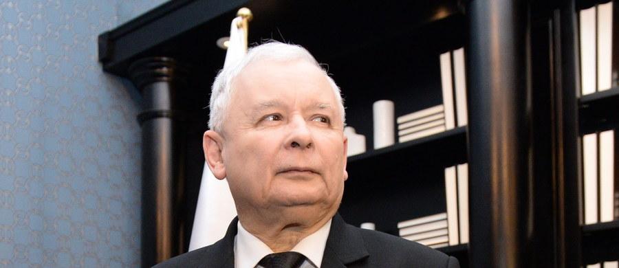 Projekt warszawskiej ustawy metropolitalnej ulegnie zmianie - zadeklarował Jarosław Kaczyński podczas spotkania z warszawskimi i podwarszawskimi strukturami partii. Prezes PiS zapowiedział też zmiany w ordynacji wyborczej i powołanie specjalnej, partyjnej struktury ds. wyborów samorządowych.