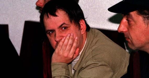 """""""Wampir z Bytowa"""", czyli seryjny morderca Leszek Pękalski, który w grudniu tego roku może wyjść na wolność, trafi na dodatkową obserwację psychiatryczną do szpitala. To decyzja Sądu Okręgowego w Gdańsku, który zaakceptował wniosek biegłych w tej sprawie. Ta obserwacja ma pomóc w sformułowaniu ostatecznej opinii, czy Pękalski jest nadal groźny dla otoczenia."""