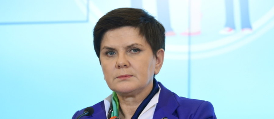 """""""Zgodnie z instrukcją HEAD, mam prawo do przelotów samolotami CASA"""" - powiedziała premier Beata Szydło. Zapewniła, że jej podróże na ziemi i w powietrzu odbywają się zgodnie z przepisami dotyczącymi osób ochranianych."""