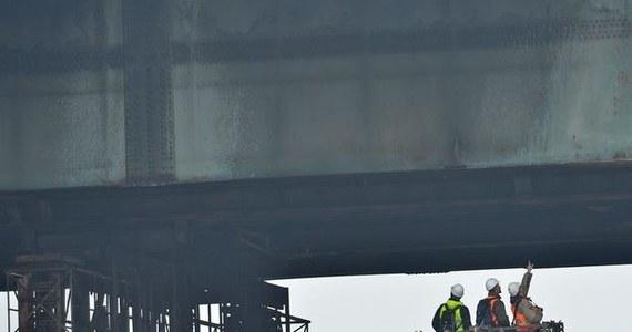 Podczas remontu mostu Łazienkowskiego w Warszawie w 2015 roku doszło do nieprawidłowości i uchybień. Wynagrodzenie wykonawcy zostało zawyżone o ponad 375 tys. zł - informuje Najwyższa Izba Kontroli.