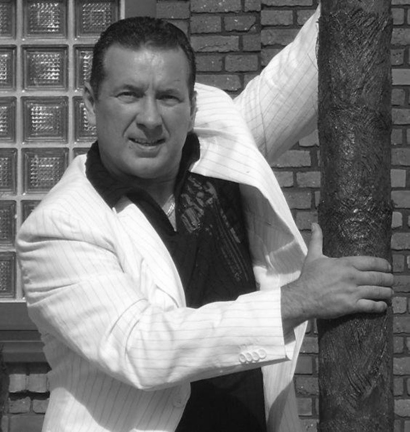 Krzysztof Rutkowski, lider grupy Tarzan Boy, zmarł 23 lutego. Kultowa postać sceny disco polo miała 56 lat.