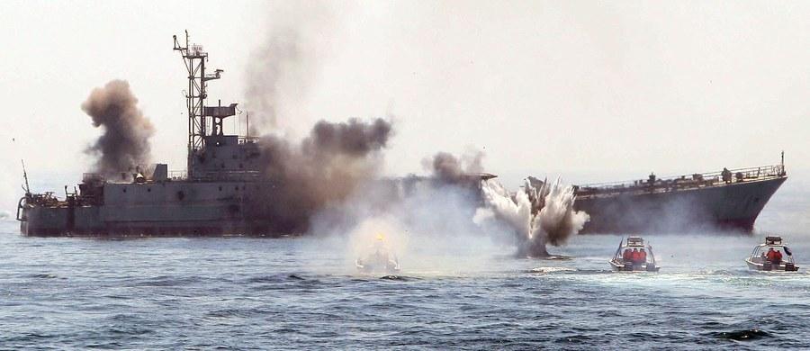 Iran rozpoczął coroczne manewry morskie w Zatoce Perskiej i na Oceanie Indyjskim. Jak poinformował cytowany przez państwowe media dowódca irańskich sił morskich, celem manewrów jest przećwiczenie walki z terroryzmem i piractwem.