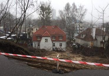 Osuwisko przysypało parter willi w Gdyni. Miejsce zbada specjalny zespół