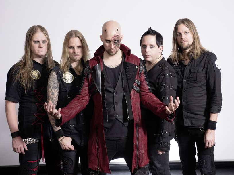 """W piątek (24 lutego) do sprzedaży trafiła """"War Of Dragons"""", nowa płyta powermetalowej grupa Bloobound ze Szwecji."""
