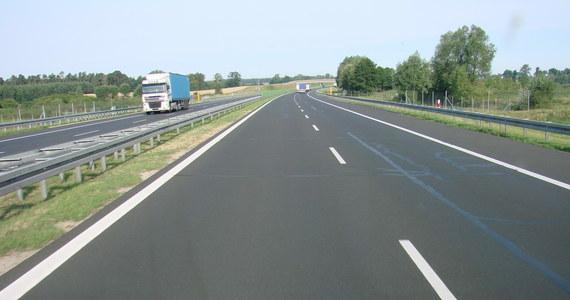 Od dzisiaj część kierowców zapłaci więcej za przejazd autostradą A4 między Katowicami a Krakowem. Zmiany nie dotyczą samochodów osobowych i motocykli. Podniesiono opłaty dla ciężarówek.