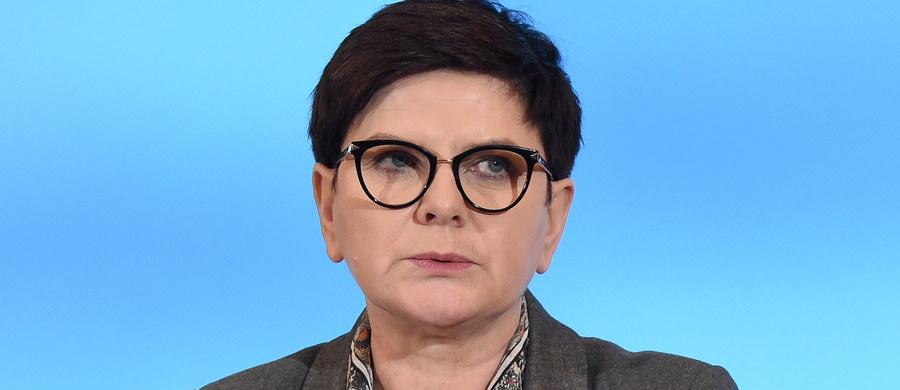 Premier Beata Szydło i kanclerz Angela Merkel umówiły się na kolejne konsultacje jeszcze przed rozpoczęciem najbliższego posiedzenia Rady Europejskiej w Brukseli - poinformował rzecznik rządu Rafał Bochenek po południowej rozmowie telefonicznej polskiej premier z kanclerz Niemiec.
