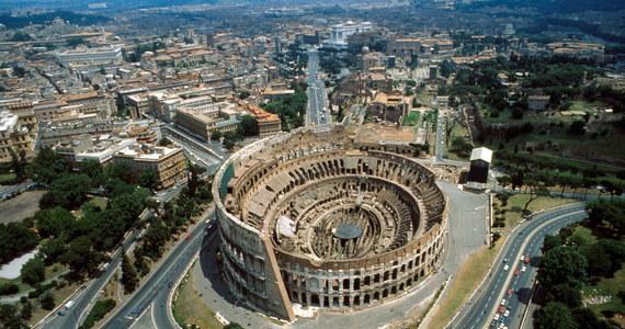 Włoskie ministerstwo kultury poszukuje na całym świecie kandydata na dyrektora Koloseum. Zwycięzcy konkursu, którego ministerstwo spodziewa się zatrudnić, oferuje pensję w wysokości 145 tysięcy euro rocznie plus premię w wysokości do 35 tysięcy euro.