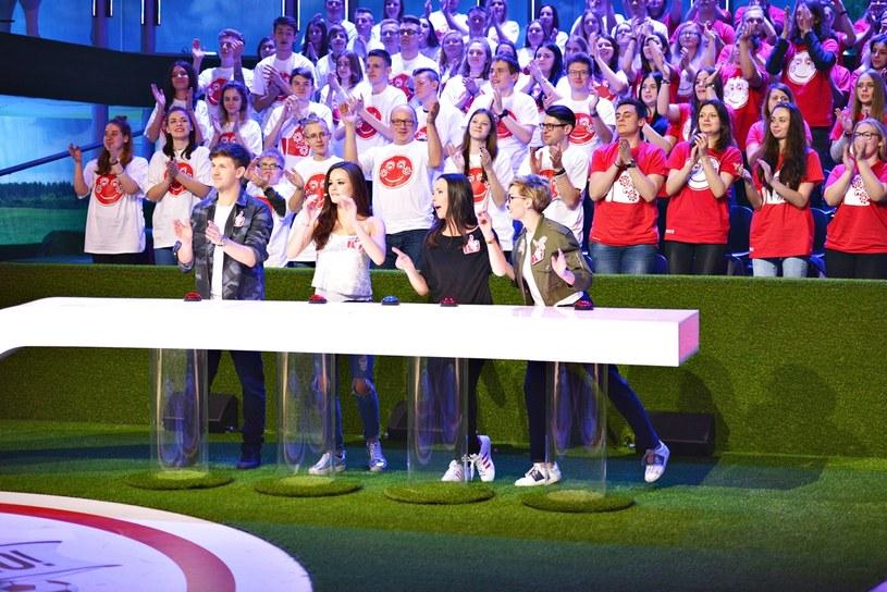 """Odmienione trio prowadzących, nowe konkurencje i dużo niespodzianek - już w najbliższą sobotę, 4 marca, w telewizyjnej Dwójce odbędzie się premiera kolejnej edycji programu """"Kocham Cię, Polsko!""""."""