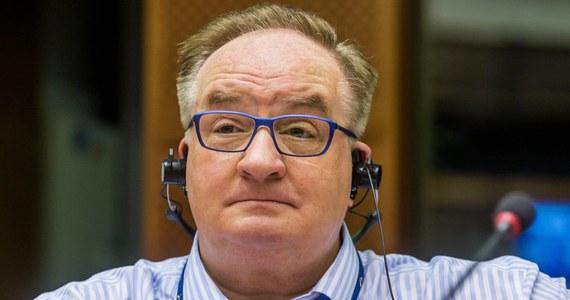 Ministerstwo Spraw Zagranicznych wystosowało notę do MSZ Republiki Malty, w której formalnie zgłosiło kandydaturę europosła Jacka Saryusz-Wolskiego na Przewodniczącego Rady Europejskiej. W odpowiedzi na tę decyzję europoseł został wyrzucony z Platformy Obywatelskiej.