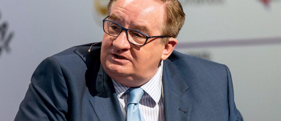 Usunięty z Platformy Obywatelskiej europoseł Jacek Saryusz-Wolski zadeklarował na Twitterze, że zostaje w Europejskiej Partii Ludowej. Jak podkreślił, za kandydowanie na szefa Rady Europejskiej nic mu nie obiecano.