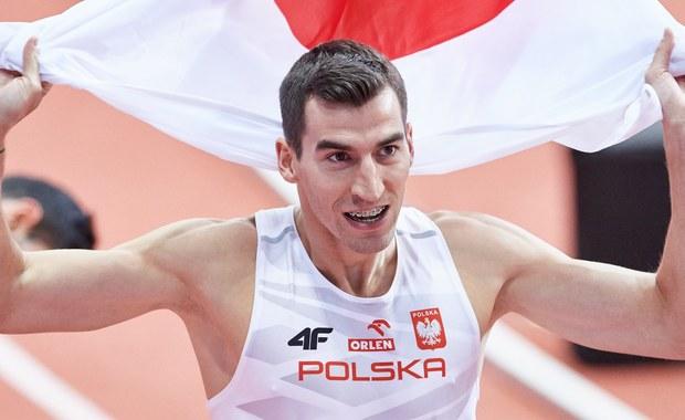 Polacy w składzie: Kacper Kozłowski, Łukasz Krawczuk, Przemysław Waściński i Rafał Omelko wywalczyli w sztafecie 4x400 m złoty medal halowych lekkoatletycznych mistrzostw Europy w Belgradzie. Uzyskał czas 3.06,99.