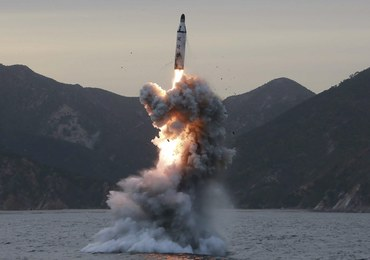 Korea Północna o próbach rakietowych: Ćwiczono potencjalne ataki na bazy USA