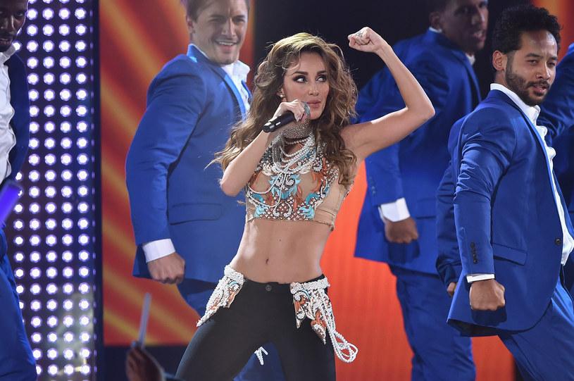"""Niewiele ponad 6 tygodni potrzebowała znana z serialu """"Zbuntowani"""" i grupy RBD wokalistka Anahi, by powrócić do formy po urodzeniu pierwszego dziecka. Meksykańska gwiazda pochwaliła się zdjęciem z siłowni."""