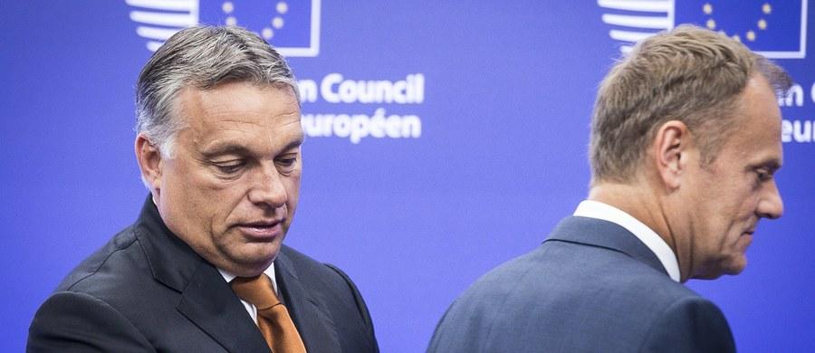 """Premier Węgier Viktor Orban rezerwuje sobie więcej czasu na decyzję w sprawie poparcia Donalda Tuska na szefa Rady Europejskiej. W tej sprawie Węgrzy nie chcą się na razie określić. """"Nasz premier ogłosi decyzję w stosownym czasie i miejscu"""" - taką informację dostaliśmy z biura premiera Orbana."""