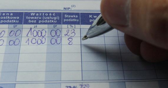 Funkcjonariusze Agencji Bezpieczeństwa Wewnętrznego zatrzymali dwóch biznesmenów ze Śląska podejrzanych o wielomilionowe wyłudzenia podatku VAT w obrocie metalami nieżelaznymi - dowiedział się reporter RMF FM. Zabezpieczono 7 milionów złotych na rachunkach bankowych ich firm.