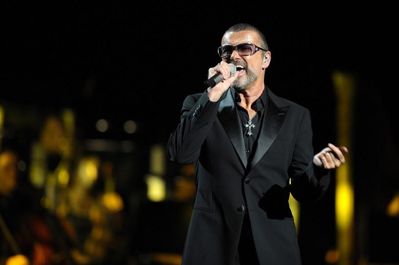 Badający okoliczności śmierci George'a Michaela ustalili, że legendarny wokalista zmarł z przyczyn naturalnych. Gwiazdor miał problemy z sercem i wątrobą.
