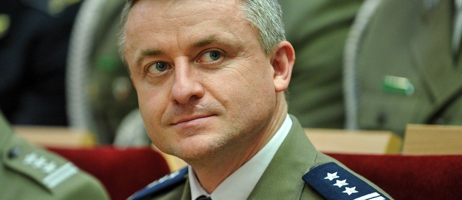 """""""W ostatnim czasie Biuro Ochrony Rządu stało się celem zmasowanego ataku. Muszę z przykrością stwierdzić, że większość tych ataków jest nieprawdziwa"""" - mówił posłom sejmowych komisji obrony i spraw wewnętrznych p.o. szefa BOR płk Tomasz Kędzierski. """"Chciałbym podkreślić, że BOR to przede wszystkim służba państwu polskiemu ryzykując życie i zdrowie"""" - dodał."""