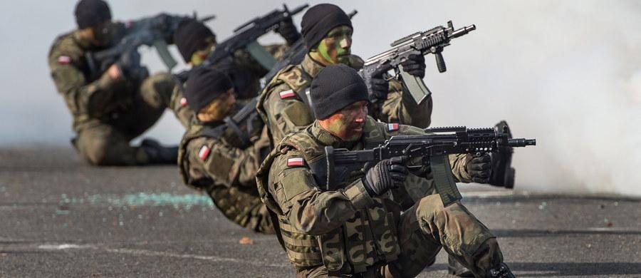 """Polacy nie mają wątpliwości: Wojska Obrony Terytorialnej są w naszym kraju potrzebne. Takiego zdania jest 58 procent ankietowanych przez IBRiS dla """"Rzeczpospolitej""""."""