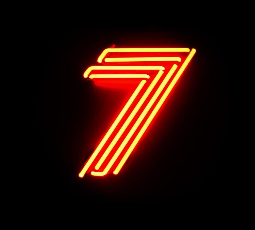 """""""Mam nadzieję, że większość ludzi, którzy słuchają Voo Voo, mniej więcej wie, o co nam chodzi"""" - mówił kiedyś Wojciech Waglewski. Jeśli ktoś rzeczywiście miał z tym problem, powinien koniecznie posłuchać """"7"""". Dostanie muzyczny wykład rozpisany na siedem dni tygodnia."""