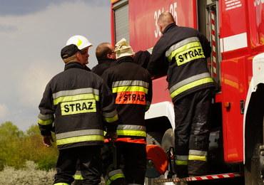 Pożar na Podkarpaciu. W akcji ucierpiał jeden ze strażaków