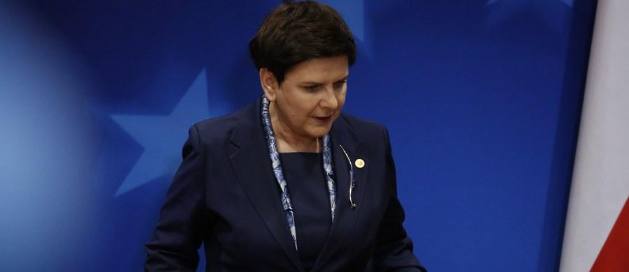 Donald Tusk nie był kandydatem polskiego rządu i nie jest dobrym przewodniczącym Rady Europejskiej - oświadczyła w Brukseli premier Beata Szydło. Jak dodała, Donald Tusk nie gwarantuje bezstronności. Zapowiedziała też, że nie podpisze konkluzji ze szczytu.