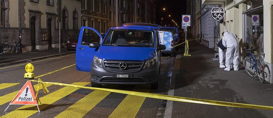Dwóch uzbrojonych napastników weszło w czwartek wieczorem do jednej z kawiarni w Bazylei na północy Szwajcarii i zaczęło strzelać. Zabili dwie osoby, po czym uciekli. Trzecia, poważnie ranna osoba, jest w stanie krytycznym - podały szwajcarskie władze.