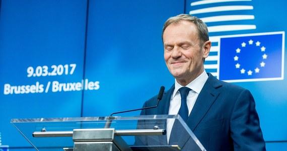 Niemieccy komentatorzy uznali reelekcję Donalda Tuska na szefa Rady Europejskiej za porażkę polskiego rządu, zaznaczając, że Polska próbowała szantażować pozostałe kraje Unii. Wyrażają obawy, że obecny konflikt pogłębi podziały w UE.