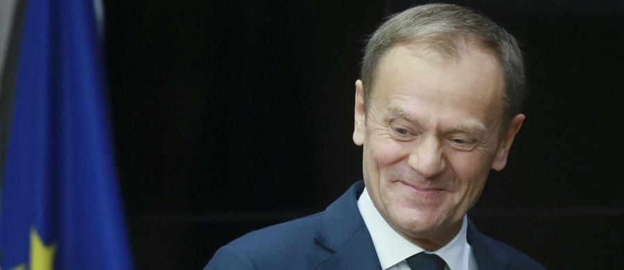 Nie ma żadnych formalnych, prawnych możliwości blokowania decyzji, jakie podjęła wczoraj Rada Europejska - powiedział w piątek jej przewodniczący Donald Tusk. Odniósł się w ten sposób do odmowy poparcia wniosków ze szczytu UE przez premier Beatę Szydło.
