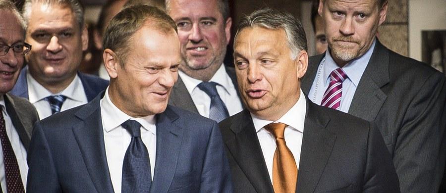 """Premier Węgier Viktor Orban dobrze zrobił opowiadając się za popieranym przez Europejską Partię Ludową Donaldem Tuskiem, gdyż są granice przyjaźni - pisze krytyczny wobec rządu Węgier dziennik """"Magyar Nemzet""""."""