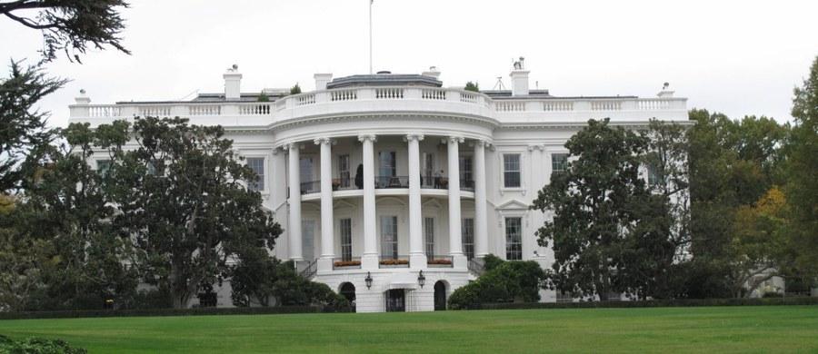 Intruz na terenie Białego Domu. Przed północą w piątek lokalnego czasu zatrzymano mężczyznę, który przedostał się na teren rezydencji.