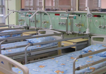 Poparzona dziewczynka trafiła do szpitala - prawdopodobnie wykąpano ją we wrzątku