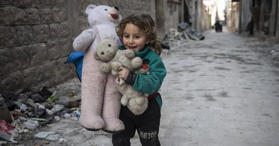 Co najmniej 652 dzieci zostało zabitych w Syrii w 2016 r. – podaje Fundusz Narodów Zjednoczonych na Rzecz Dzieci UNICEF. To czyni ten rok jak dotąd najgorszym dla dorastającego pokolenia w tym kraju.
