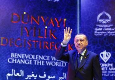 Erdogan: Merkel wspiera terroryzm, Holandię spotkają sankcje