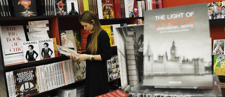 Od 14 do 16 marca Polska będzie gościem honorowym The London Book Fair w Londynie, największej tego typu imprezy w świecie anglosaskim. Polską literaturę reprezentować będzie 50 wydawców i 11 pisarzy m.in. Olga Tokarczuk, Jacek Dehnel, Zygmunt Miłoszewski.