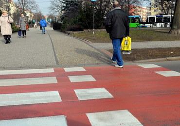 """Przejście dla pieszych w kolorach flagi. """"To profanacja"""""""