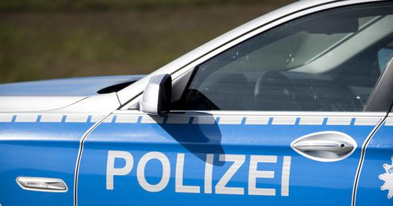 3 osoby zostały ciężko ranne w pożarze w niemiecki ośrodku dla uchodźców w pobliżu Kassel w środkowej części Niemiec. Nie wiadomo jeszcze, co było przyczyną pojawienia się ognia. Policja nie wyklucza podpalenia.