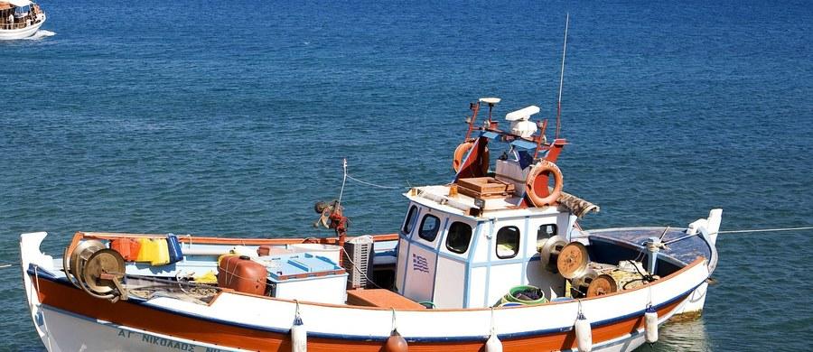 Trzy osoby zatrzymała Prokuratura Krajowa w związku z korupcją w Okręgowym Inspektoracie Rybołówstwa Morskie w Szczecinie. Armatorzy kutrów rybackich usłyszeli zarzuty za wręczanie łapówek.