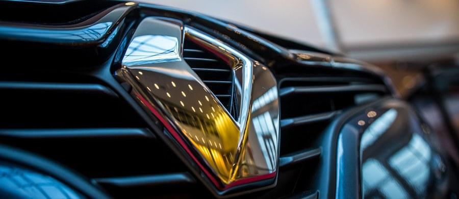 Od ponad 25 lat we francuskim koncernie Renault istnieją praktyki, których celem jest fałszowanie wyników testów spalin - podała AFP, powołując się na raport służb podległych ministerstwu gospodarki. Według agencji, dzieje się to za wiedzą szefostwa aż do poziomu prezesa zarządu.