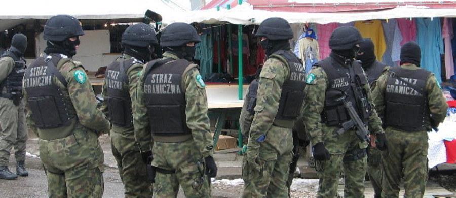 Funkcjonariusze Straży Granicznej zatrzymali sześciu członków polsko-rosyjskiej grupy przestępczej podejrzanych o organizowanie oraz przerzut cudzoziemców pochodzących z Zakaukazia, przez Polskę, do krajów Europy Zachodniej.